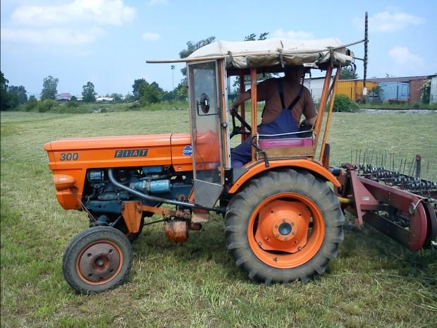 traktors (12)