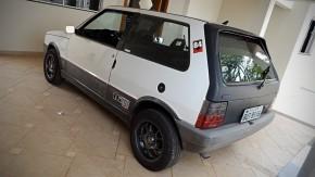 Este Fiat Uno 1.6 R MPI é um diamante bruto — e pode ser seu