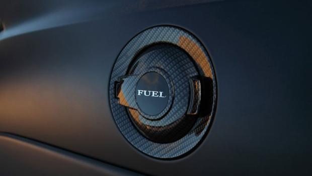 Dodge-Challenger-Fuel-Cap-HD