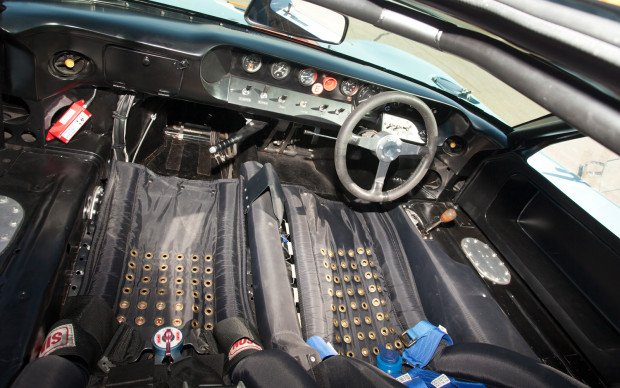 1968-ford-gt40-gulf-mirage-interior