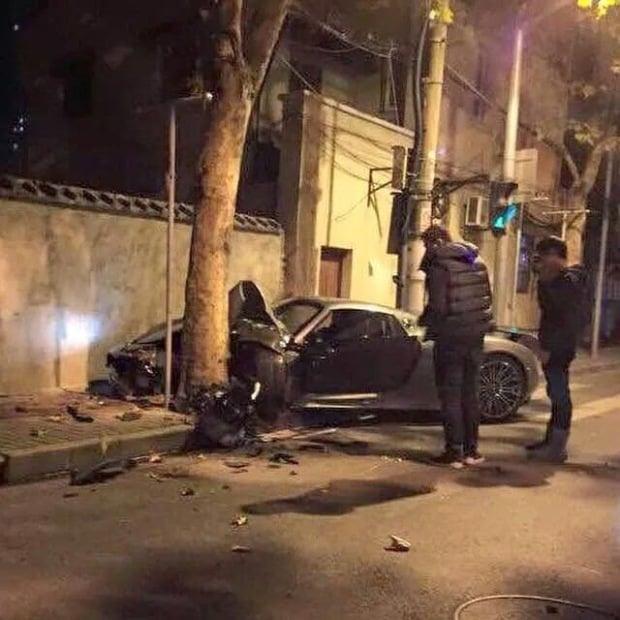 Porsche  918 Spyder Crash In China 02