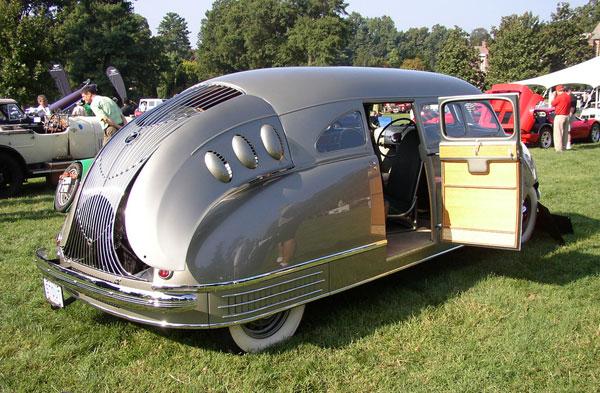 stout scarab o besouro americano com motor v8 que inventou a minivan flatout. Black Bedroom Furniture Sets. Home Design Ideas