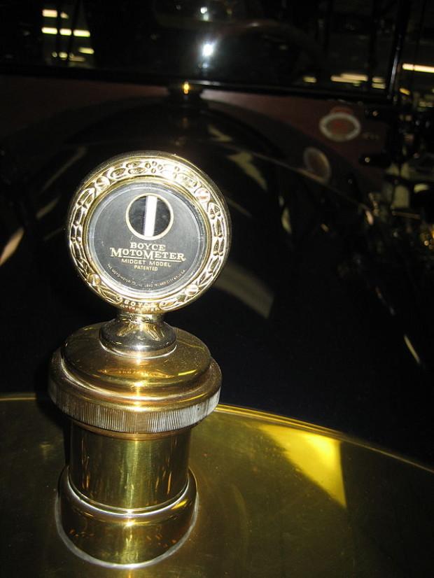 1913_Car-Nation_Tourer_RadiatorBoyce_MotoMeter
