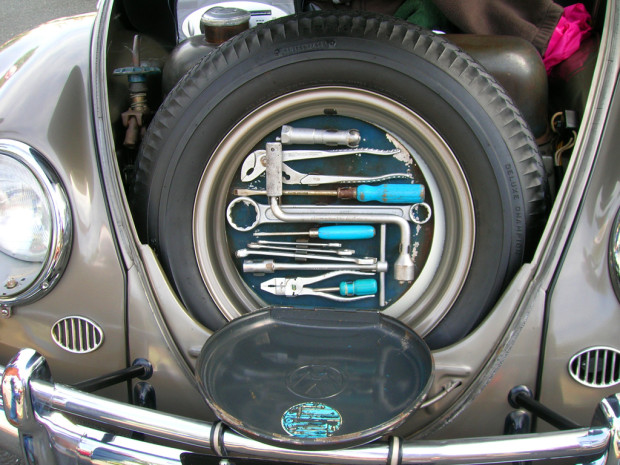 1957-Volkswagen-Beetle-Sept-2013-Robt-Murphy-b