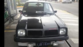 Este raro Chevrolet Chevette S/R tem placa preta e está à venda