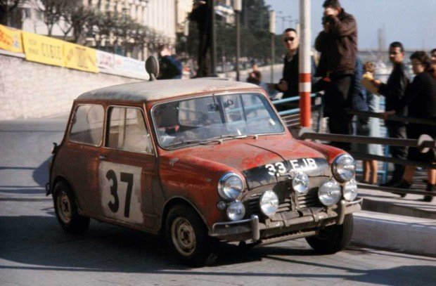 Paddy-HopkirkHenry-Liddon-in-the-Mini-Cooper-16