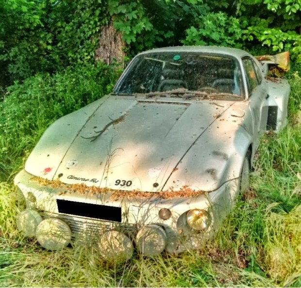 carros-de-corrida-abandonados (16)