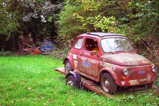 carros-de-corrida-abandonados (36)