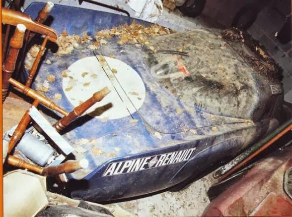 carros-de-corrida-abandonados (38)
