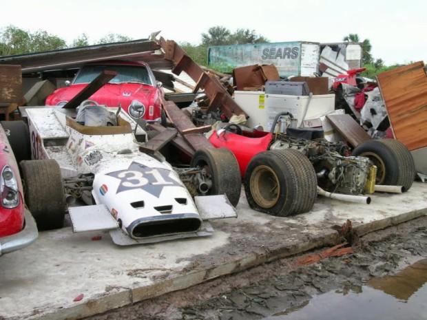 carros-de-corrida-abandonados (39)