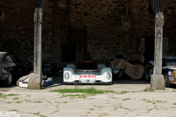 carros-de-corrida-abandonados (9)