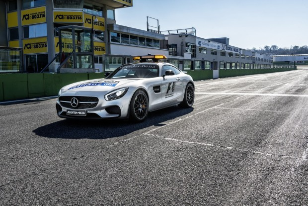 f1-safety-medical-cars-14
