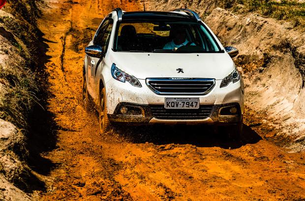 Peugeot-2008-Brasil-15