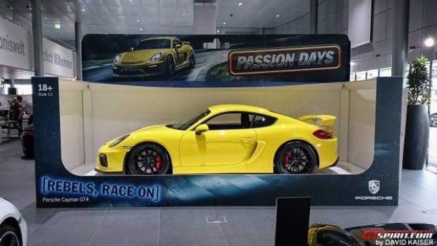 Porsche-Cayman-GT4-Toy-Car-7-640x360
