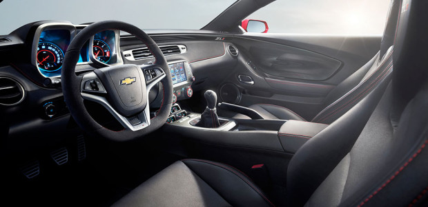 2015-chevrolet-camaro-zl1-sports-car-mo-interior-980x476-02