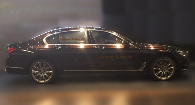 2016-BMW-7-Series-0