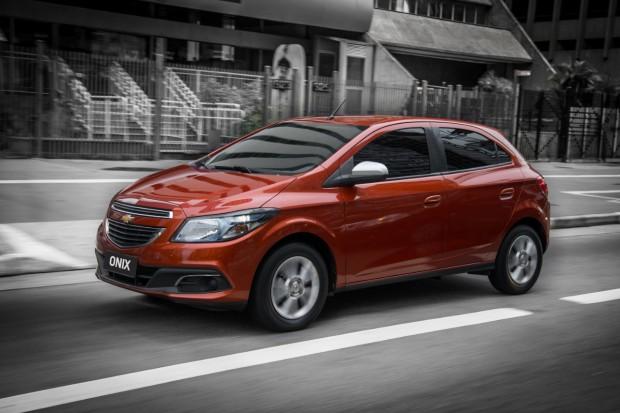 Chevrolet-Onix-2014