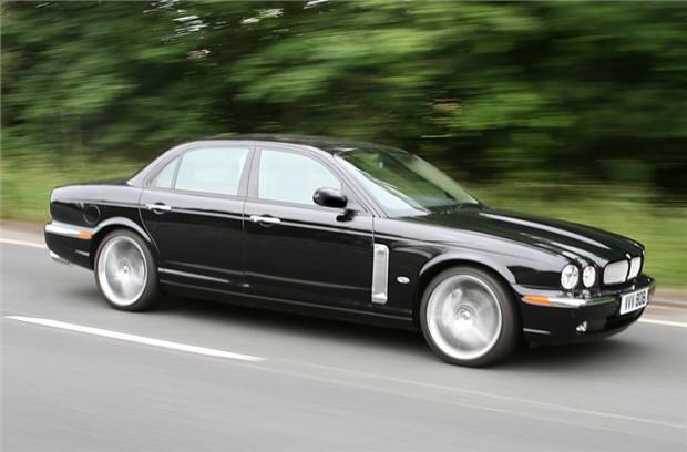 Jaguar XJ (6)
