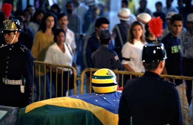 Senna010594-10