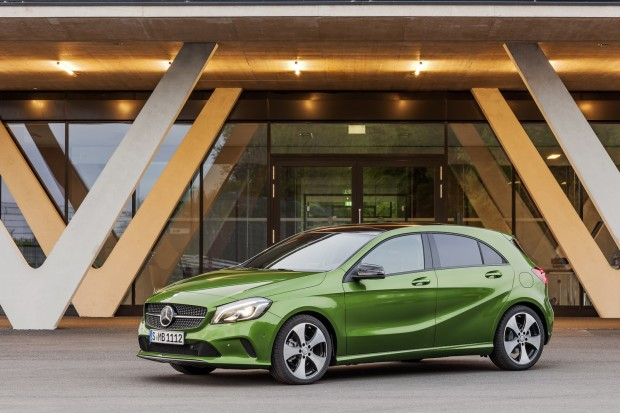 2016-Mercedes-A-Class-4