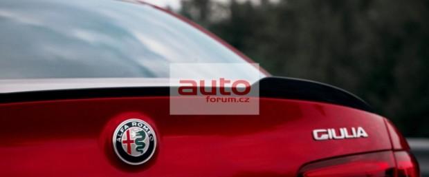 Alfa_Romeo_Giulia_2016_10