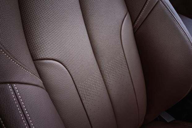BMW-X1-2016-interior-14