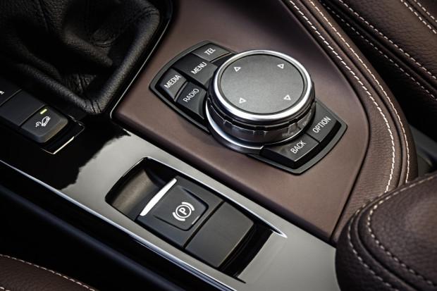 BMW-X1-2016-interior-15