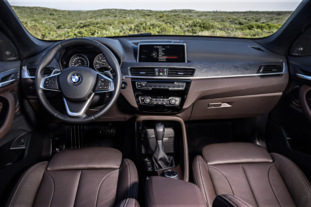 BMW-X1-2016-interior-16