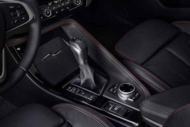 BMW-X1-2016-interior-2