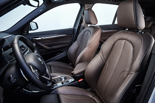 BMW-X1-2016-interior-20