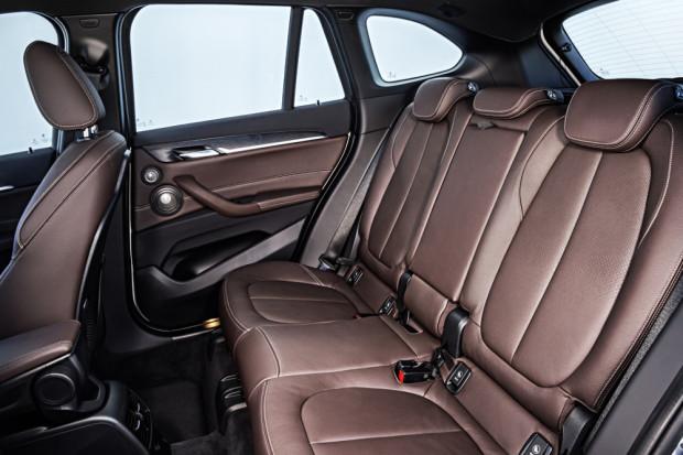 BMW-X1-2016-interior-21
