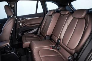 BMW-X1-2016-interior-22