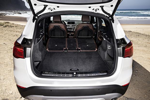 BMW-X1-2016-interior-24