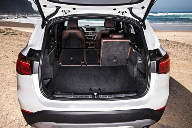 BMW-X1-2016-interior-25
