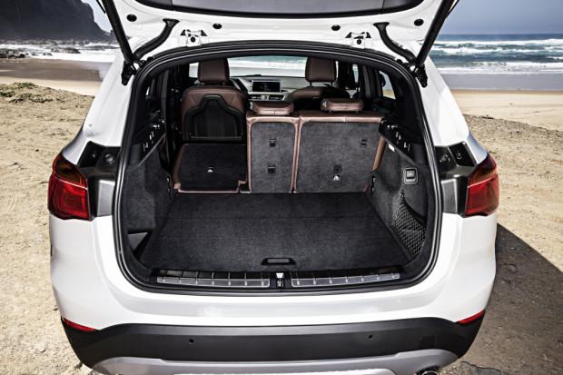 BMW-X1-2016-interior-26