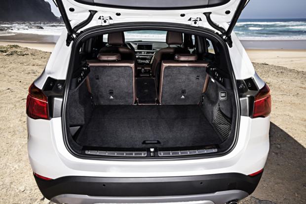 BMW-X1-2016-interior-28