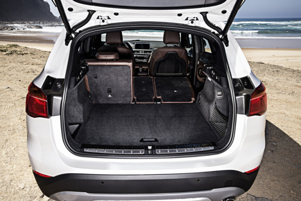 BMW-X1-2016-interior-29