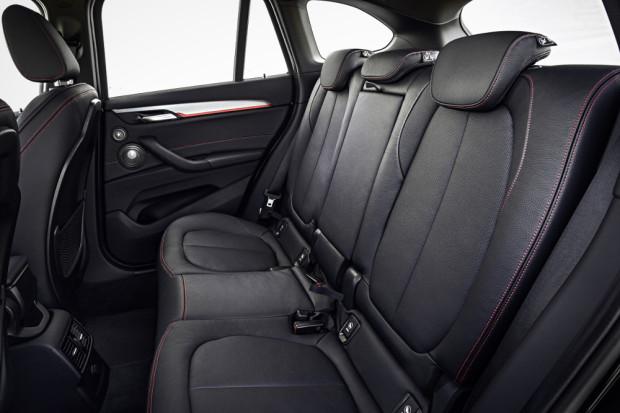 BMW-X1-2016-interior-4