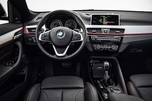 BMW-X1-2016-interior-6