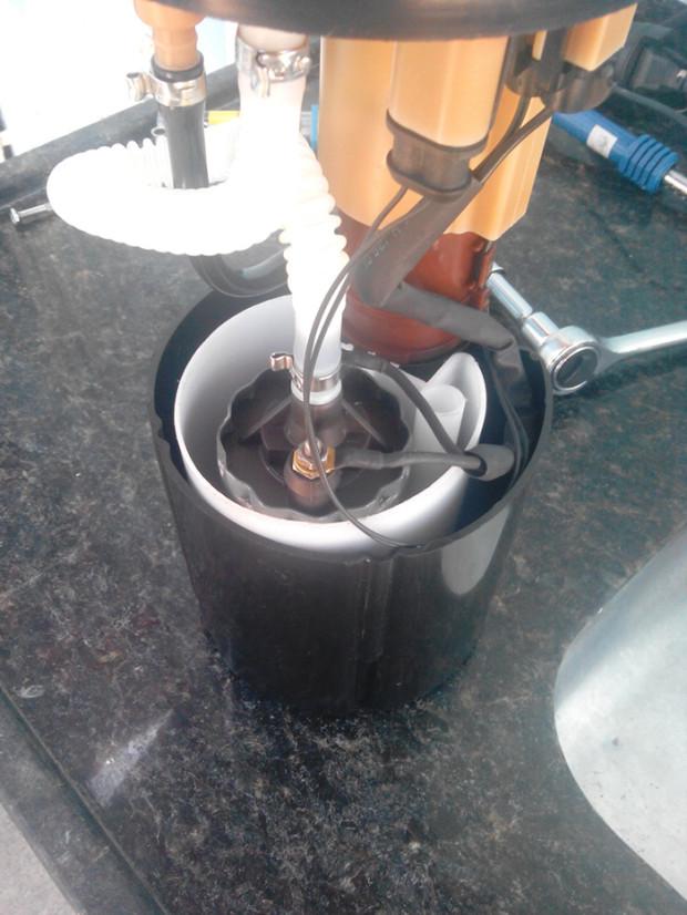 Bomba Dinamica 12 Bar no copo original