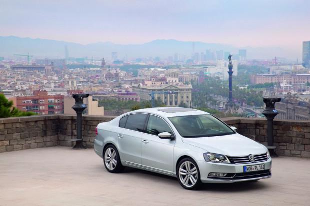 New-VW-Passat-parked