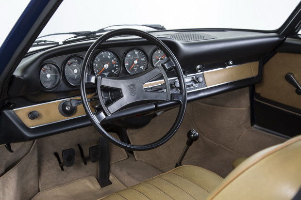 Porsche-911-classic-dashboard-2