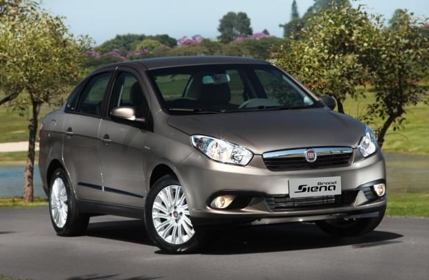 Fiat-Grand-Siena-2013-externas-20