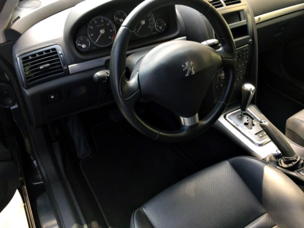 Peugeot-407-Coupe-6