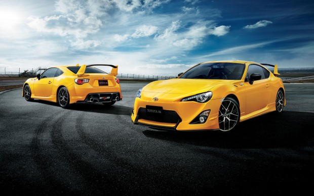 Toyota-GT86-Yellow-Limited
