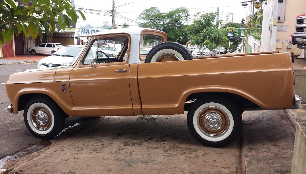Esta Chevrolet C-10 1977 em estado de nova, à venda, é um ...