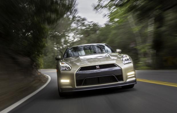 2016-Nissan-GT-R-45th (3)