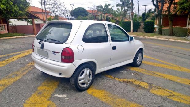 Chevrolet-Corsa-GSi-2
