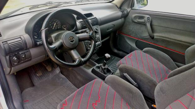 Chevrolet-Corsa-GSi-4