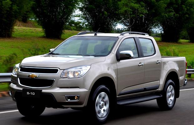 Chevrolet-s10-ls-2-4-flex-cabine-dupla-4x2